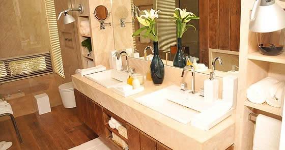 Banheiro bonito e funcional