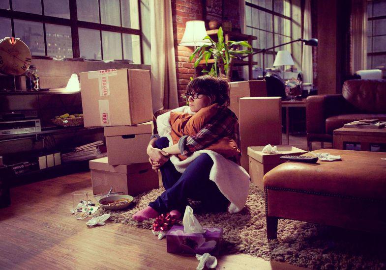 Resultado de imagem para o lado ruim de morar sozinho