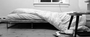 Arrumar a cama: costume abolido duas semanas depois de começar a morar sozinho